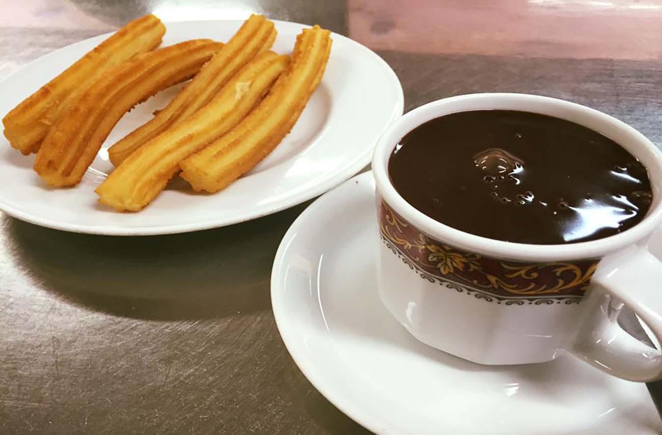 Chocolate con churros en Zaragoza - Lalmolda