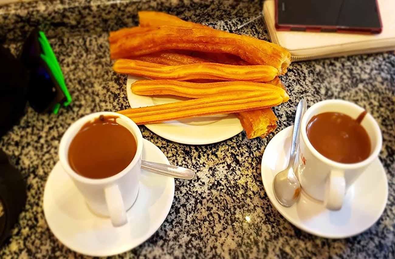 Chocolate con churros en Zaragoza - Los Ángeles